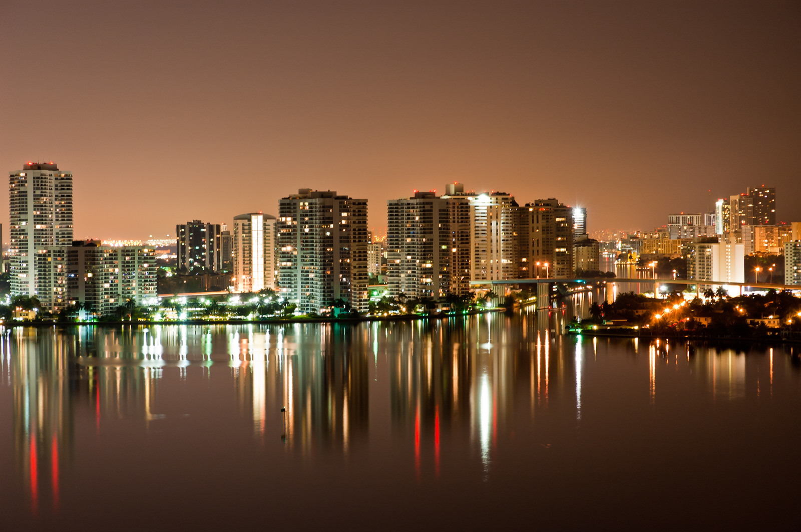 Fort Lauderdale Serves Up The Magic City Lifestyle At